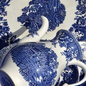 Pottery, Porcelain & Glass